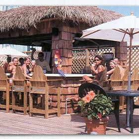Maritime Beach Club - Tiki Bar Ocean Front