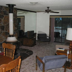Peaceful Bay Resort and Club — - Inside a unit