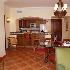Marriott's Playa Andaluza — Sample unit kitchen/dining room