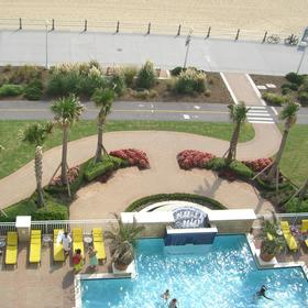 Ocean Beach Club — Pool/Walkway to Beach