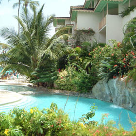 Bougainvillea Beach Resort - Interior Garden Overlooking Pool
