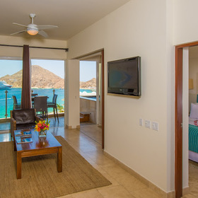 Cabo Villas Beach Resort & Spa — Living area