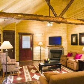 Bluegreen Shenandoah Crossing Cabin Living Area