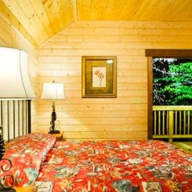 Bluegreen Shenandoah Crossing Cabin Bedroom
