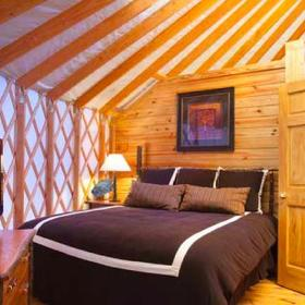 Bluegreen Shenandoah Crossing Yurt Bedroom
