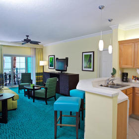 Harborside Resort at Atlantis — Living Area