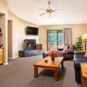 Wyndham Flagstaff Living Area