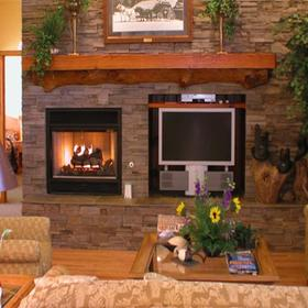 Kohl's Ranch Lodge Living Area