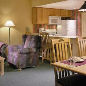 Wyndham Sedona Living and Dining Area