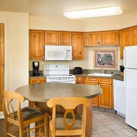 WorldMark Big Bear Kitchen and Dining Area