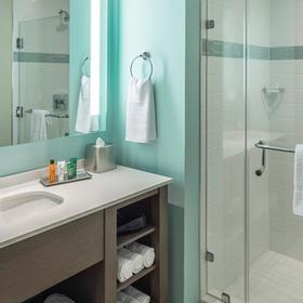 Ocean 22 by Hilton Grand Vacations (HGVC) — Ocean 22 by Hilton Grand Vacations (HGVC) Bathroom