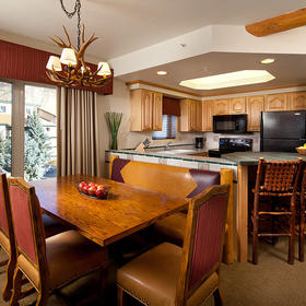 Lakeside Terrace Villas Dining Area and Kitchen