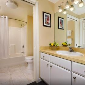WorldMark Oceanside Harbor Bathroom