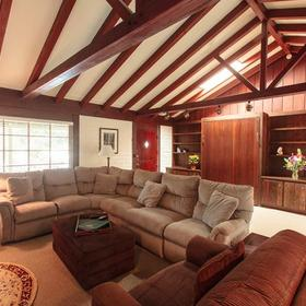 Pine Acres Lodge — Living Area