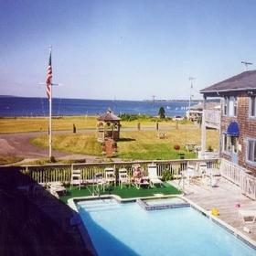 Mariner's Point Beach Club