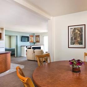WorldMark Palm Springs Dining and Living Area
