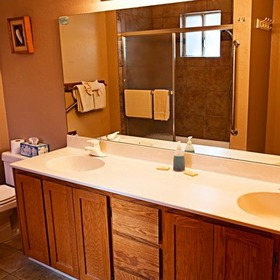 Heavenly Valley Townhouses Bathroom