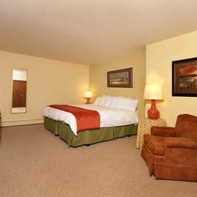 Lake Forest Resort and Club Bedroom