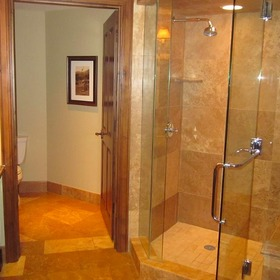 Hyatt Grand Aspen — Bathroom