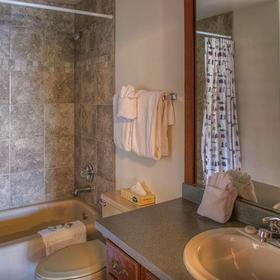Gold Point Resort Bathroom