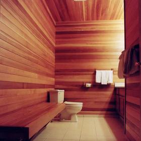 Whiski Jack at Whistler Creek — - Spa Bathroom