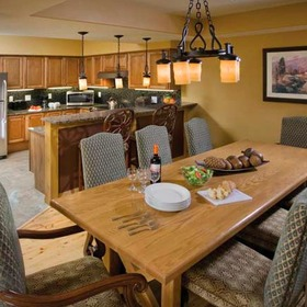 Wyndham Vacation Resorts Steamboat Springs — Dining Area