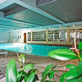 Water's Edge Inn & Resort — Pool