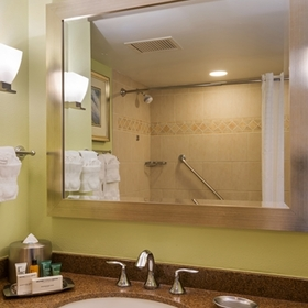 Hilton Grand Vacations Club (HGVC) at Hilton Hawaiian Village Bathroom