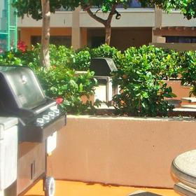 Royal Aloha Vacation Club - Waikiki Barbecue Area