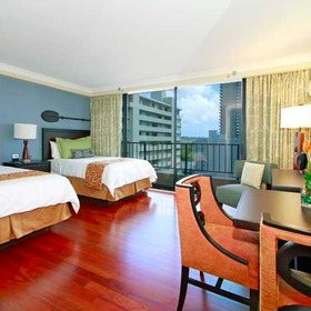 Wyndham Vacation Resorts Royal Garden at Waikiki Bedroom