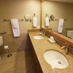 Eagle's Nest Beach Resort Bathroom