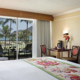 Marriott's Kauai Beach Club Bedroom