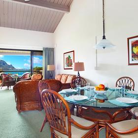 Hanalei Bay Resort Dining Area
