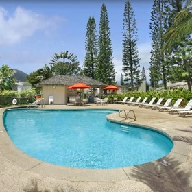 Makai Club Cottages — Pool