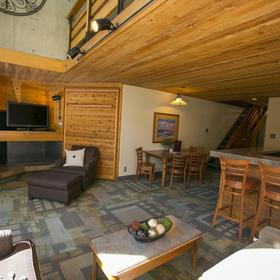 Iron Blosam Lodge Living Area