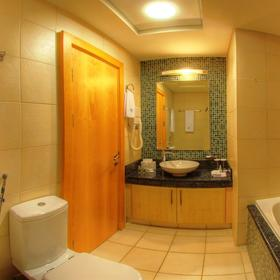 The Royal Club at Palm-Jumeirah Bathroom