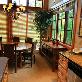 Hearthstone at Spring Mountain Ranch — Dining Area