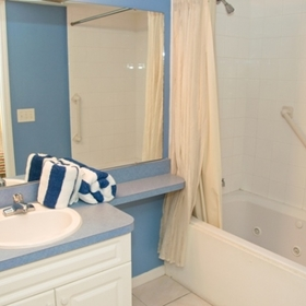 The Penthouses at Gulf Stream Bathroom