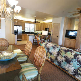 Plantation Bay Villas at South Seas Island Resort — Dining Area