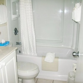 Tropic Shores Resort Bathroom