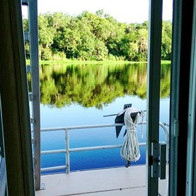 Grand Lakefront Resort Club USA / Holly Bluff Marina — Deck