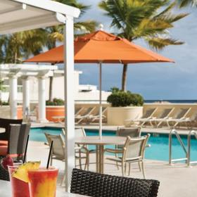 Marriott's BeachPlace Towers Pool Bar