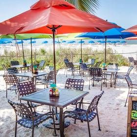 Sunstream Vacation Club at DiamondHead Beach Resort & Spa — Cabañas Outdoor Seating