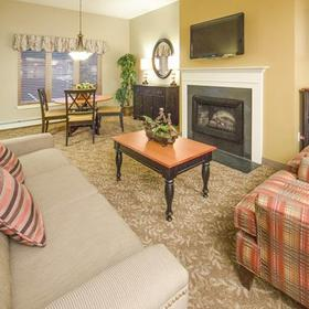 Holiday Inn Club Vacations at Ascutney Mountain Resort Living Area