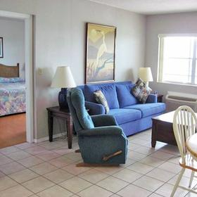 Anchorage Resort & Yacht Club Living Area