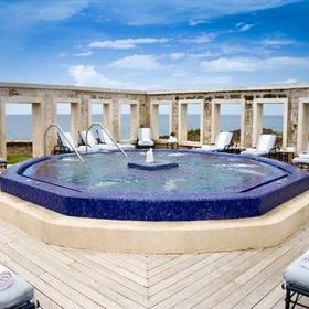 Crane Beach Resort — Jacuzzi pool on the cliff