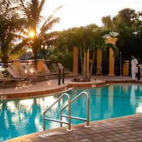 Holiday Inn Club Vacations Marco Island - Sunset Cove Resort — Pool