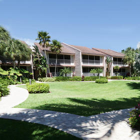Club Regency at Marco Island Exterior
