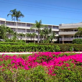 Marco Beach Vacation Suites — Exterior