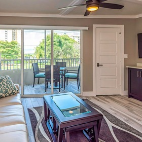 Marco Beach Vacation Suites — Living Area